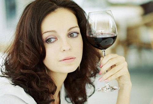Алкоголь при грудном вскармливании и его влияние на ребенка