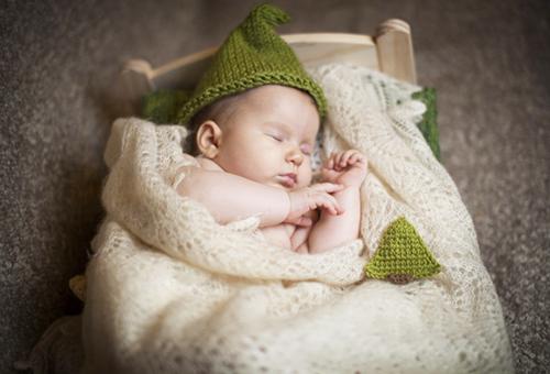 Спящий ребенок в пуховом платке
