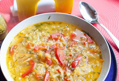 Супы для кормящих мам в первый месяц: рецепты диетических блюд