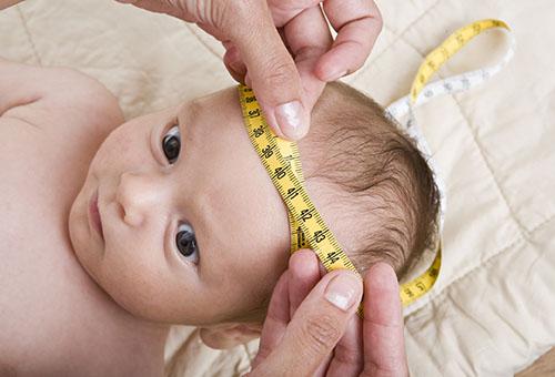 Уход за недоношенным ребенком в роддоме и после выписки