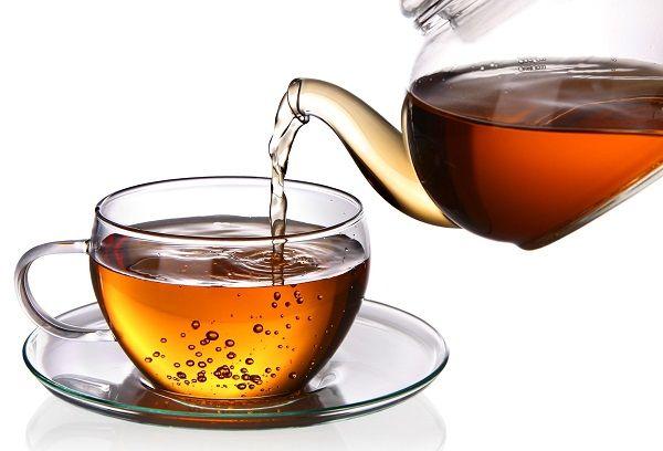 Чай в стеклянном чайнике
