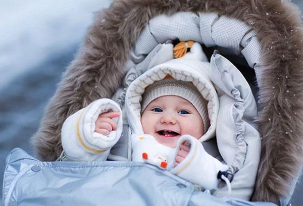 Зимняя прогулка с малышкой