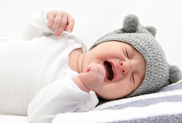 Кишечные колики у ребенка