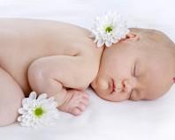 Младенец с пятном на макушке