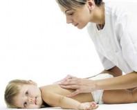 Растирание спинки малыша