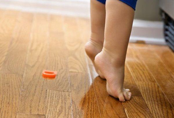Ноги годовалого малыша