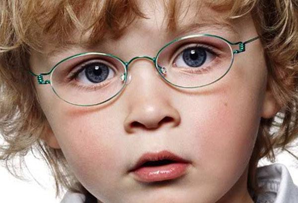 Нарушение зрения у ребенка