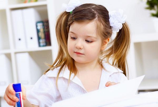 пятилетняя девочка