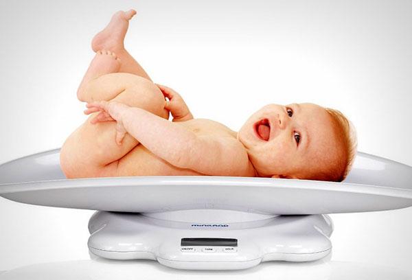 Норма веса ребенка в 5 месяцев