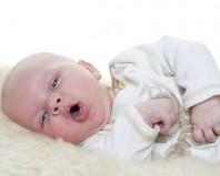 болит горло у новорожденного