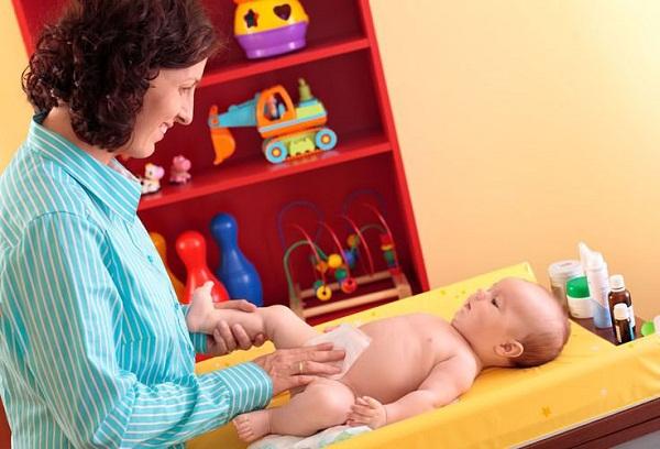 Мокнет пупок у новорожденного ребенка: причины, уход, лечение и что делать?
