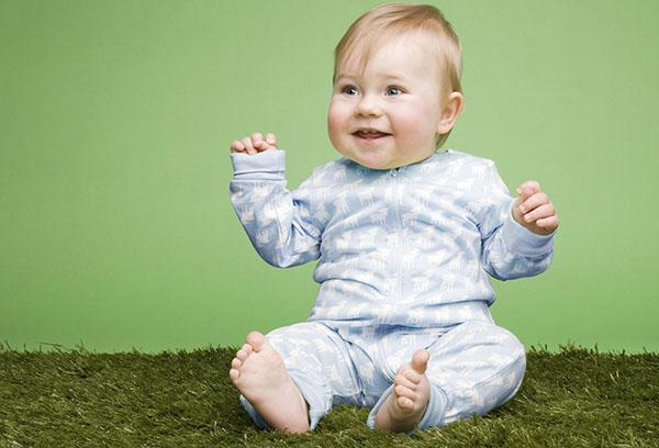 Ребенок в 3 месяца пытается сесть: вундеркинд или торопыжка?