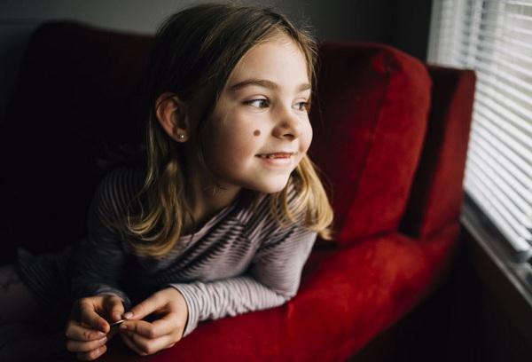 Родинки у детей – когда появляются, почему и что означают?
