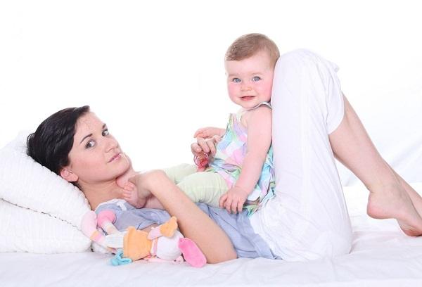 мама с грудничком