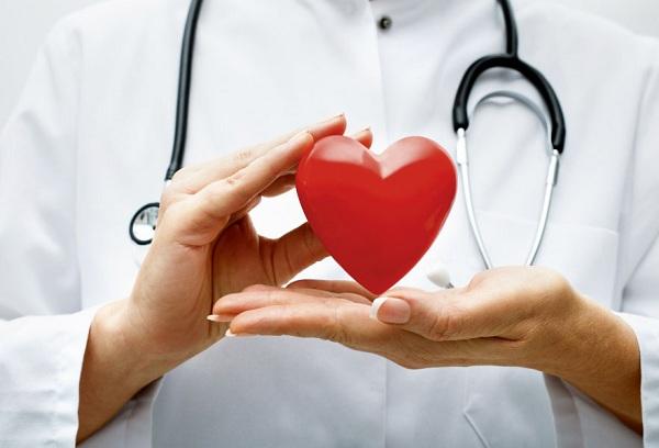 врач с сердечком