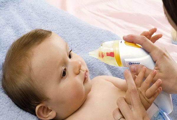 Применение электронного аспиратора для новорожденных