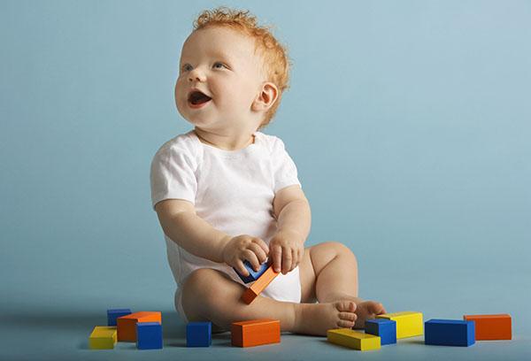 Что умеют дети в 8 месяцев