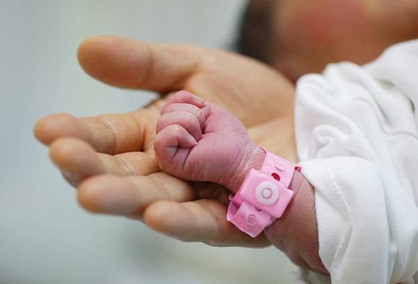 Ручка недоношенного ребенка