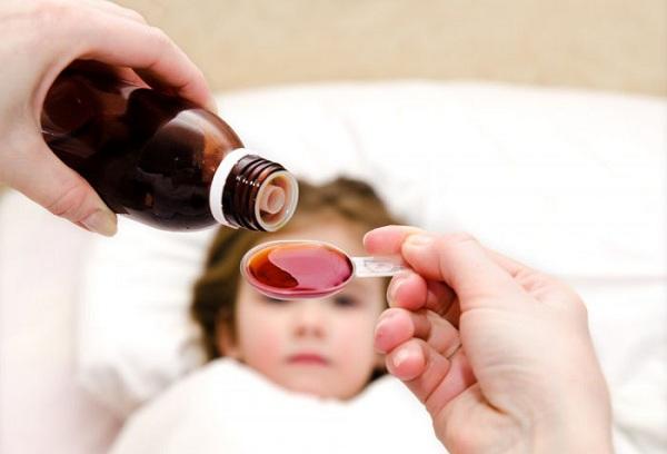 сироп на ложке для ребенка