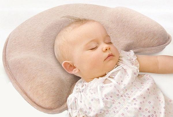 спящий грудной ребенок
