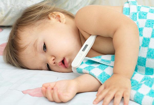 Измерение температуры ребенку