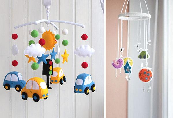 Мобили с игрушками из фетра