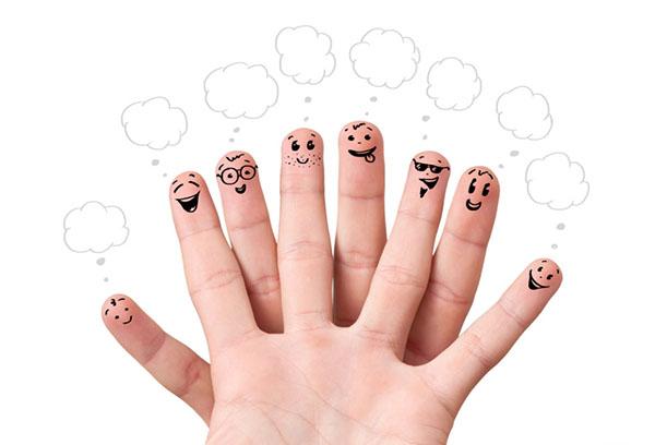 Смайлики на пальцах