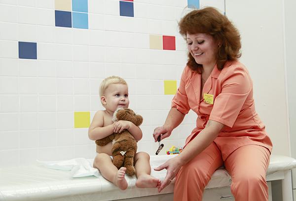 Малыш у невролога