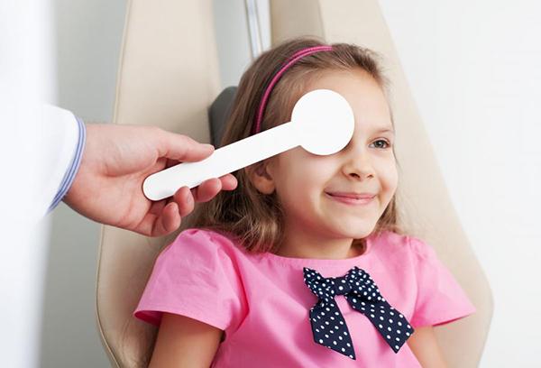 Проверка зрения ребенка