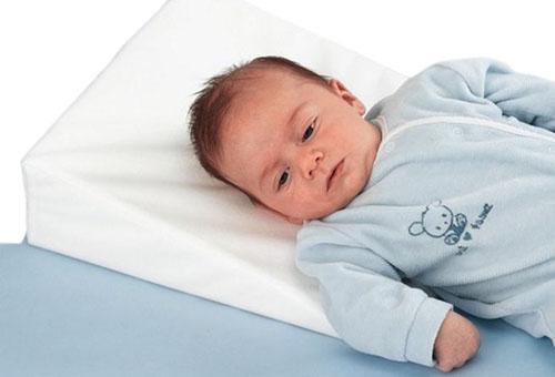 Наклонная подушка для детей до 6 месяцев