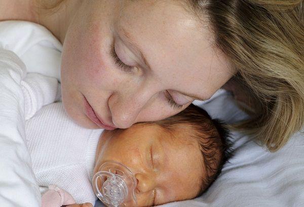 Мама и грудничок с желтухой