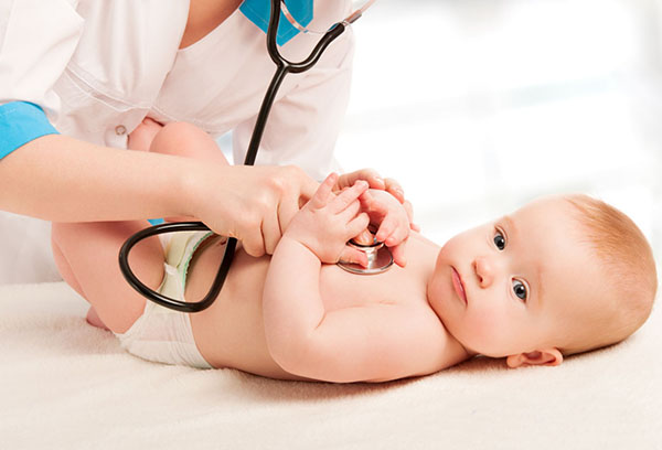 Младенец ан приеме у педиатра