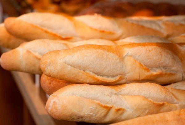 Батончики белого хлеба