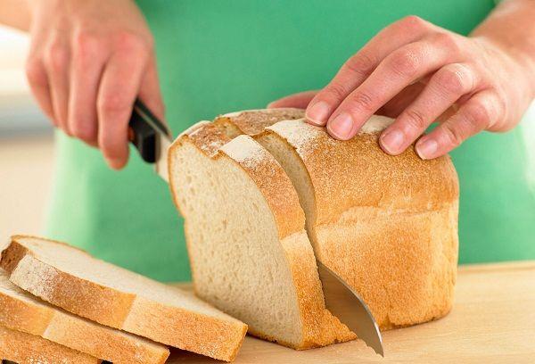 Нарезание белого хлеба