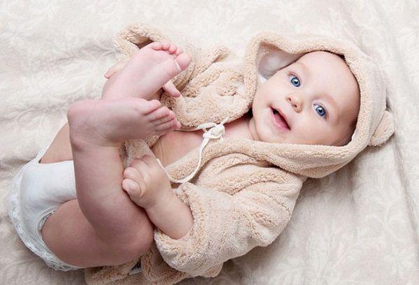 новорожденный ребенок