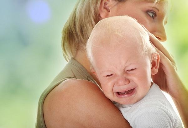 испуганный ребенок