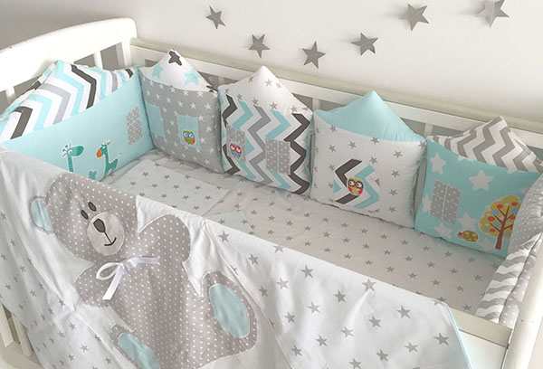 Мягкие бортики в детскую кроватку
