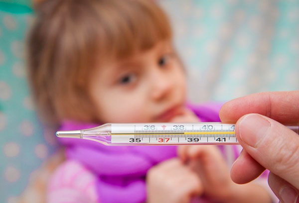 Энтеровирусная лихорадка у девочки
