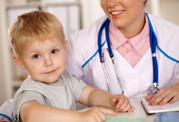 мальчик с врачом