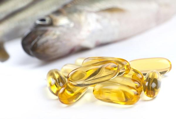 Рыбий жир в капсулах и рыба