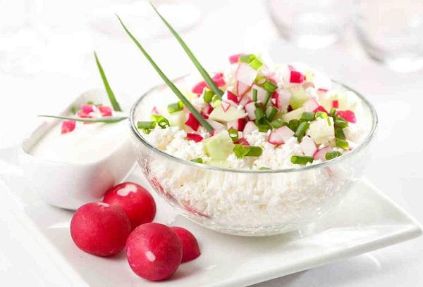 Творожный салат с кабачком