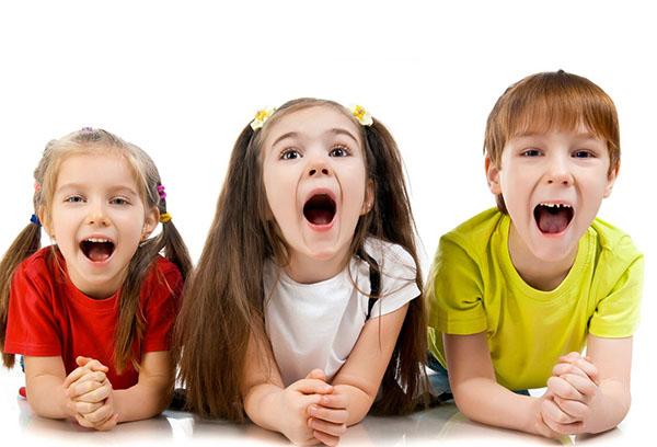 Дети произносят звуки