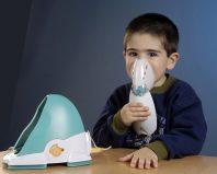 Ребенок с небулайзером