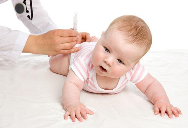 Прививка в бедро ребенку в 3 месяца